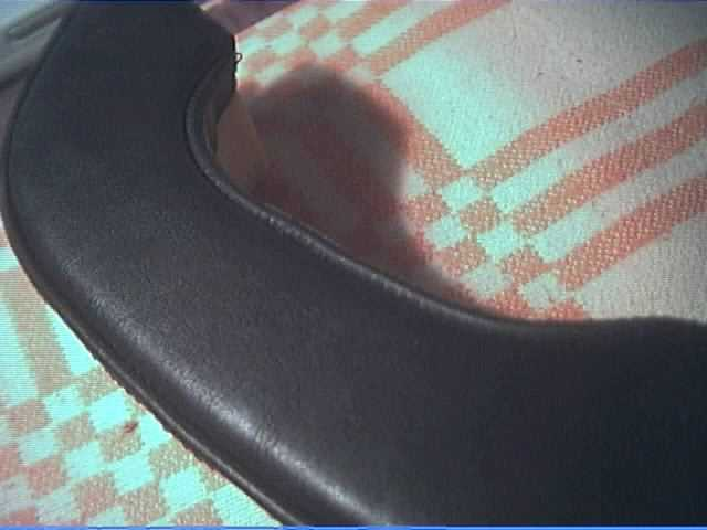Как обтянуть подлокотник дивана кожей своими руками 73